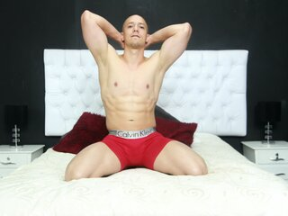 Nude camshow kevinmuscle