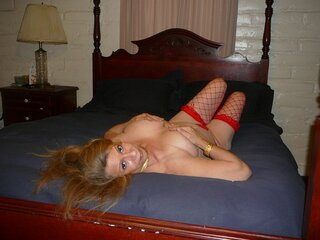 Show naked LustyLizzy